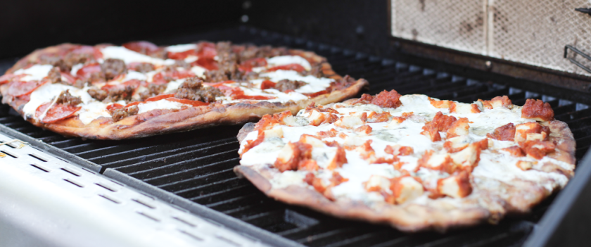 grilling-pizza-e1499625290913.png